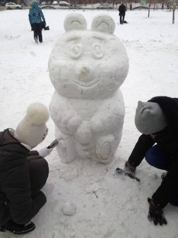 Смешные хрюшки картинки для снежного городка